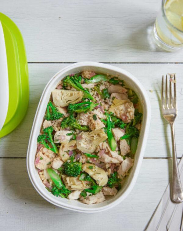 Bimi® Brokkoli-Bulgur-Salat mit Huhn und Artischocken