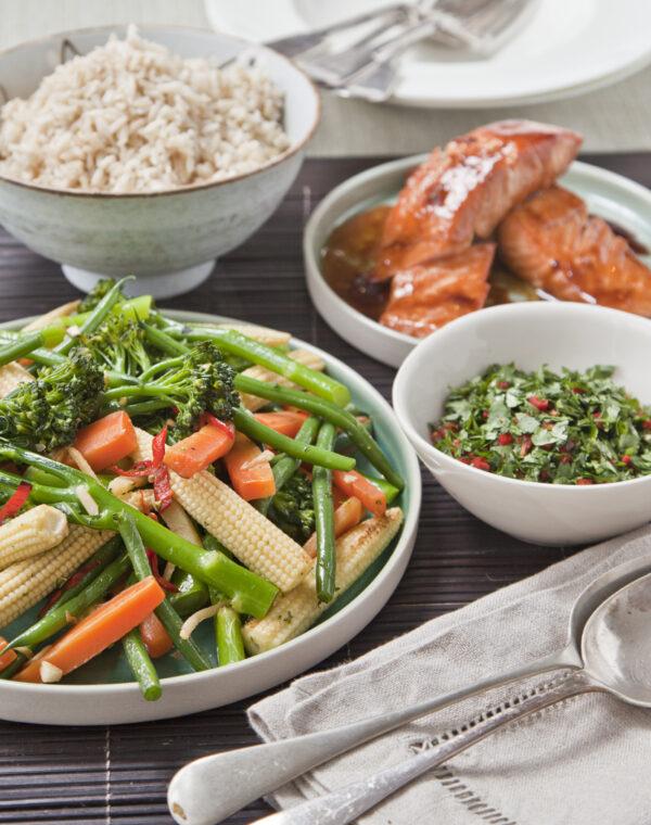 Aziatische sticky zalm met Bimi® broccoli en lichte sojasaus