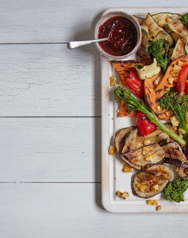 Légumes au barbecue, sauce soja et prune