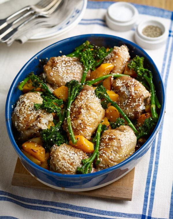 Eenpansgebraden Bimi® broccoli met pompoen, rijst en sesam-citroenkip