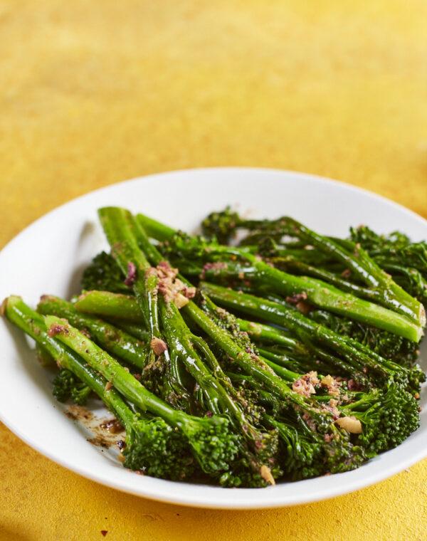 Höyrytettyä Bimi®-parsakaalia oliivivoin kanssa