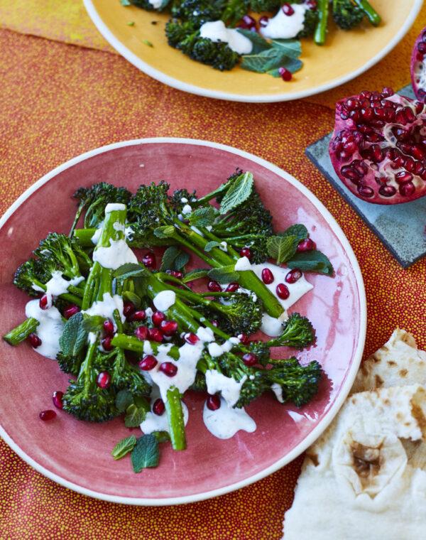 Geroosterde Bimi® broccoli met kruidige yoghurt