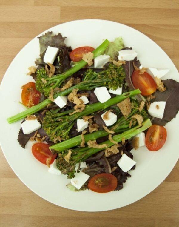 Ensalada de brotes con Bimi® brócoli