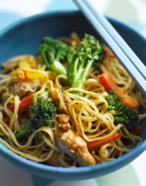 Noodles de Bimi® brócolos com amendoins