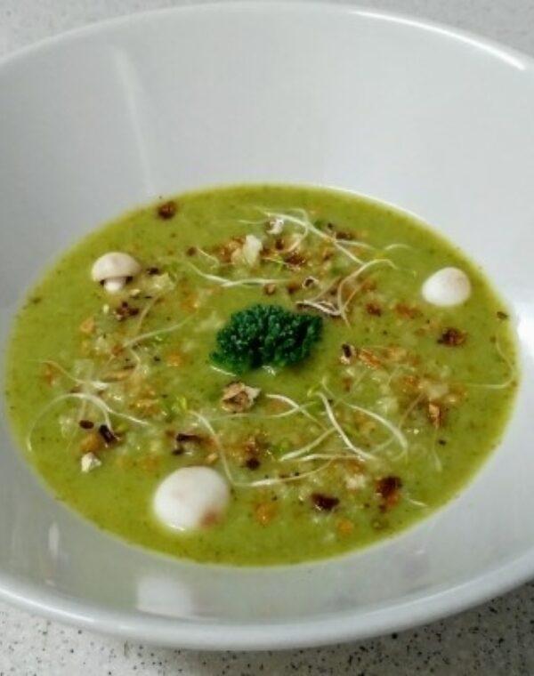 Vichyssoise de Bimi® brócoli con tierra de boletus