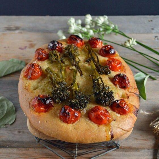 Focaccia Bimi® brócoli y tomates cherry confitados