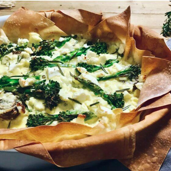 Taart van filodeeg met Bimi® broccoli, feta en champignons