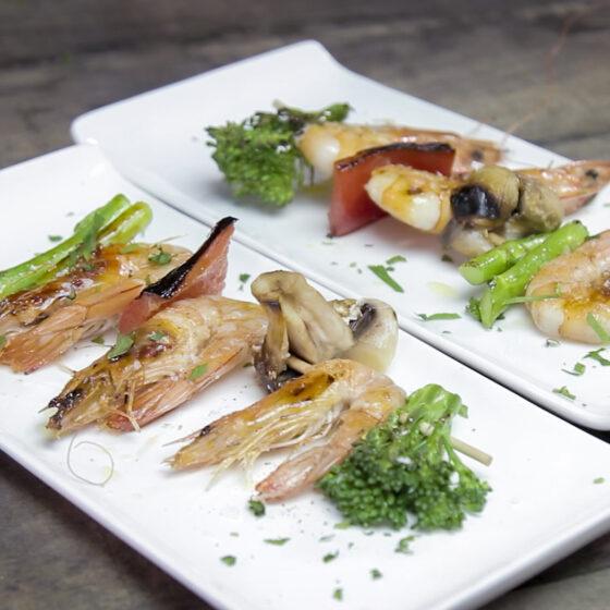 Espetada de camarão, Bimi e vegetais