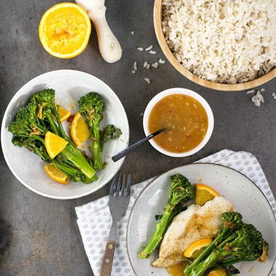 Bimi® broccoli met kipfilet in gember-sinaasappelsaus
