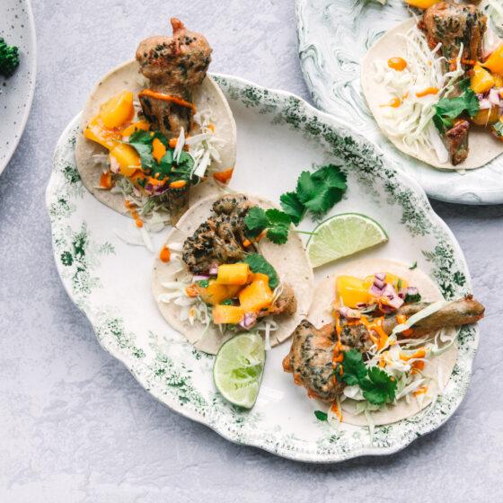 Tacos med friteret Bimi® broccoli & mangosalsa