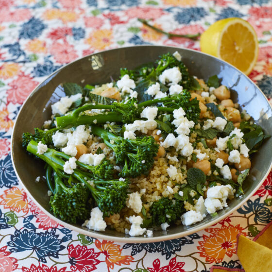 Bimi® broccoli met pilav van bulgur en kikkererwten