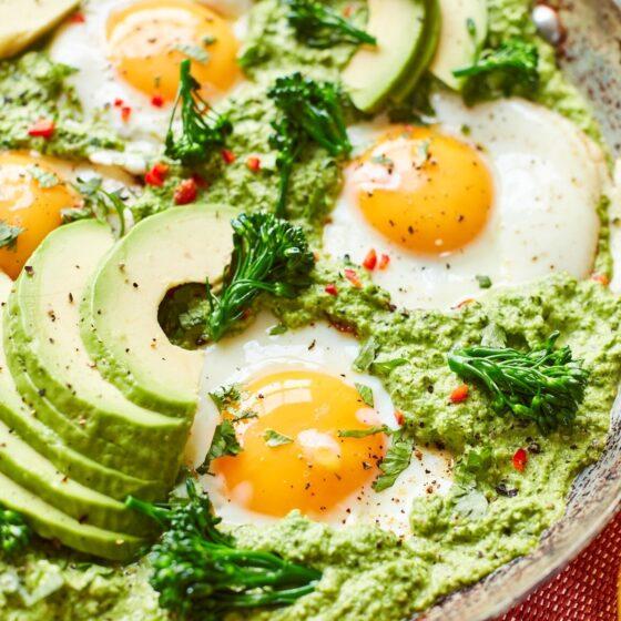 Huevos verdes con el brocoli Bimi®