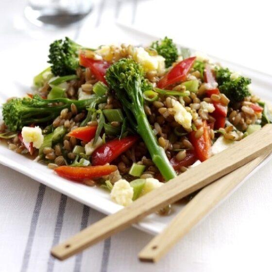 Ensalada de Bimi® brócoli con granos de centeno