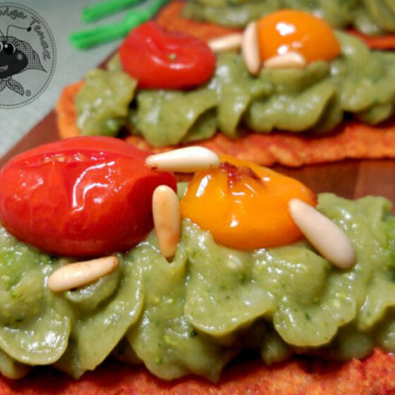 Paté de Bimi® brócoli con crujiente de pimentón dulce