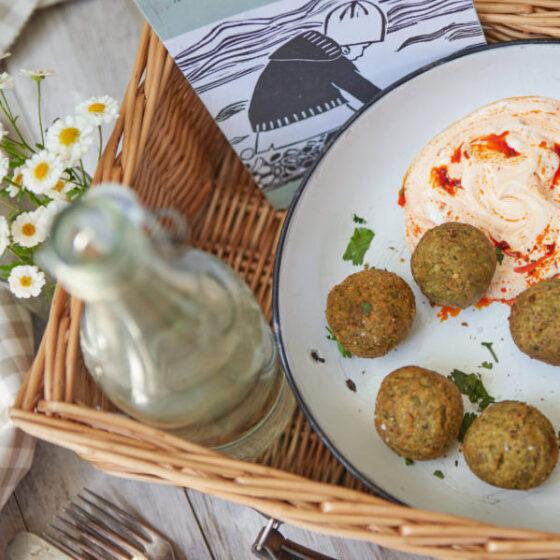 Bimi® broccoli & myntefalafler med harissa & labneh dip