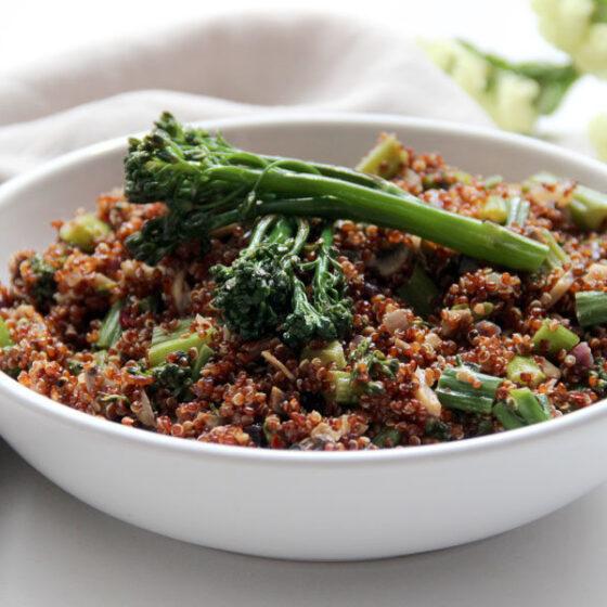 Quinoa roja con Bimi® brócoli