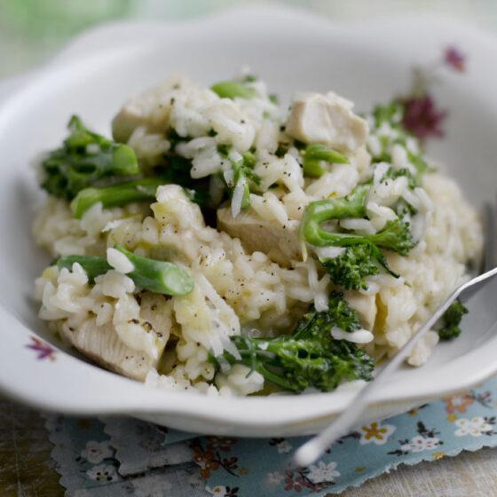 Risotto de pollo y Bimi® brócoli con romero