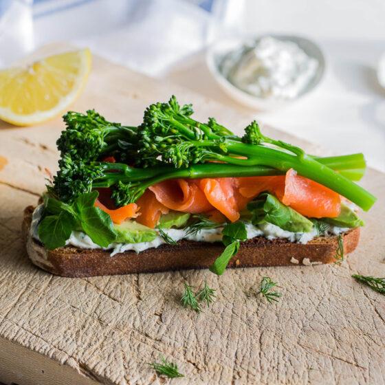 Smørrebrød Danois Au Bimi® brocoli (Tartine)