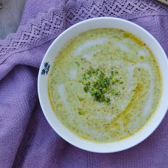 Sopa fría de Bimi® brócoli, almendras y romero
