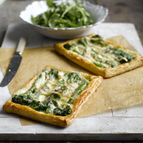 Tarteletes de Bimi® brócolos com queijo Cambozola