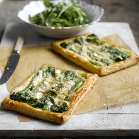 Tartaletas de Bimi® brócoli con queso cambozola