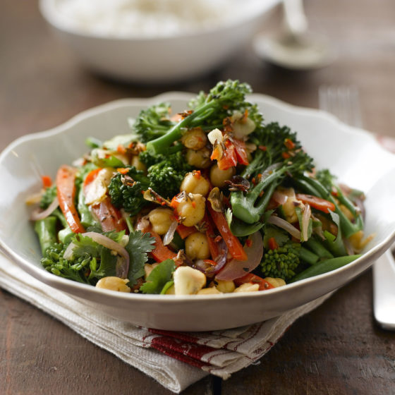 Salade tiède aux brocolis Bimi® et pois chiches
