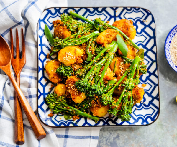 Indian-spiced Tiwale Aloo with Tenderstem® Broccoli