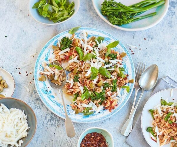 One pan orzo with Tenderstem broccoli and olives by Georgina Hayden 10810