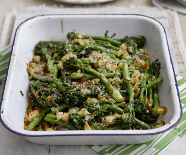 Tenderstem® broccoli Gratin with Ciabatta & Parmesan Crumbs
