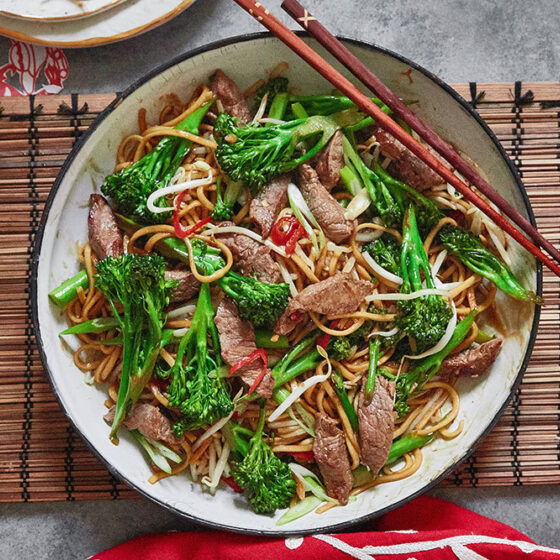 Oyster Sauce Beef & Tenderstem® broccoli Chow Mein