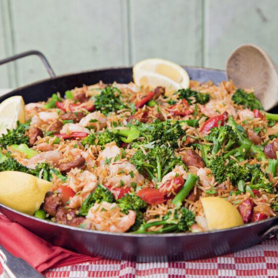 Spanish Baked Paella with Prawns, Tenderstem® broccoli & Pepper