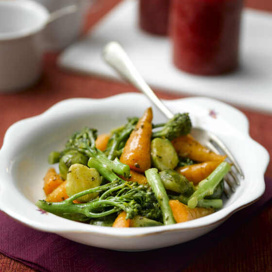 Tenderstem® broccoli, Chantenay Carrot & Brussels Sauté